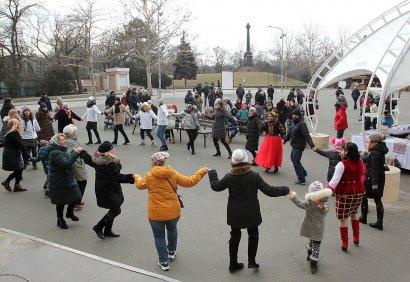 В сочельник одесситов угостили кутьей в парке Шевченко