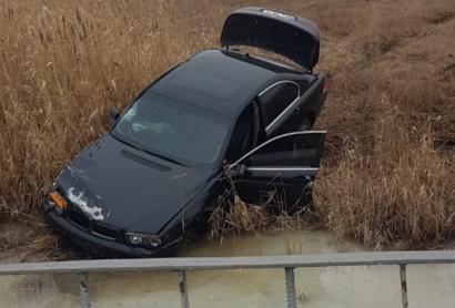 BMW превысил скорость на трассе Одесса-Рени и оказался в реке