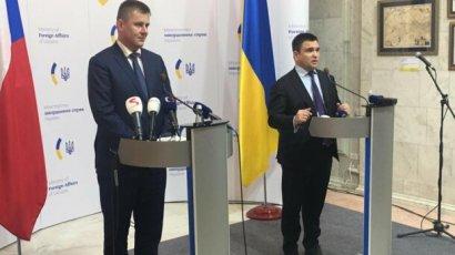 Политики ЕС иногда уделяют больше внимания Донбассу, чем украинские