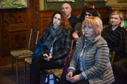 Народные депутаты встретились с членами обкома профсоюза работников образования, переселенцами и многодетными семьями