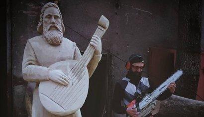 Одесский скульптор создал из дерева Кобзаря ко дню рождения Шевченко