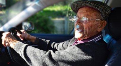 В каком возрасте следует отказаться от вождения?