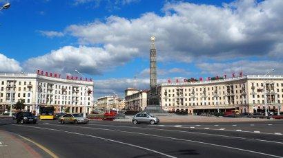 В центре Минска активистка приковала себя к столбу