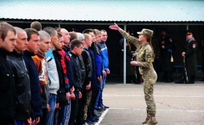 Весной в армию призовут почти 19 тысяч человек