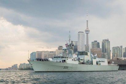 Российские корабли взяли на сопровождение фрегаты НАТО в Черном море