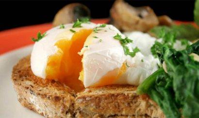 Bloomberg подсчитал, сколько жителям разных стран нужно работать, чтобы заработать на завтрак
