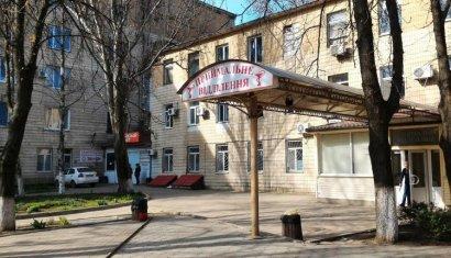 Одесские медики борются за жизнь подростка, который получил удар током на железнодорожном вагоне