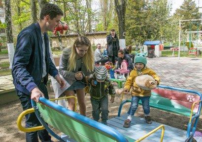 Студенты Юракадемии посетили детские дома Одессы и Одесской области