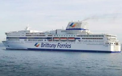 У берегов Франции горело судно почти с тысячей людей на борту