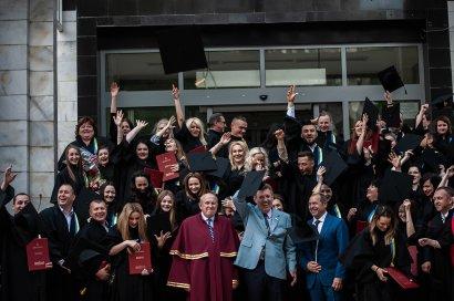 В Одесской Юракадемии вручили дипломы магистрам публичного управления