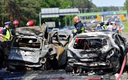В Польше на автомагистрали столкнулось 7 автомобилей, погибли 6 человек