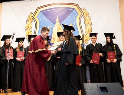 Выпускникам Национального университета «Одесская юридическая академия» вручили дипломы магистров