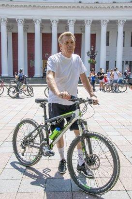 В Одессе стартовал 5-й велопробег «Бачу! Можу! Допоможу!»