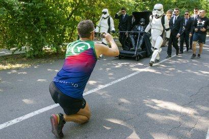 Дарт Вейдер принял участие в утреннем забеге