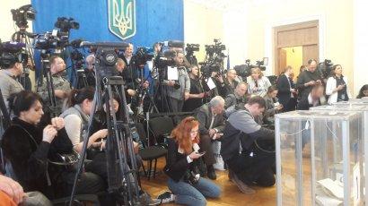 """Для консультации журналистов ко дню выборов заработала """"горячая линия"""""""