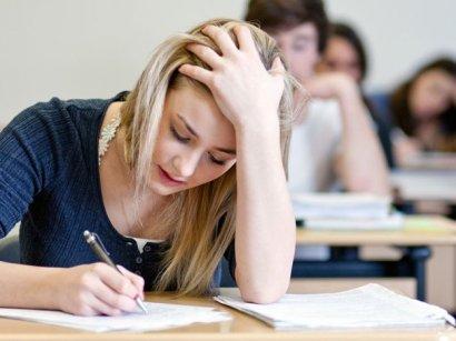 Почти 11% участников ВНО сдавали физику на русском языке