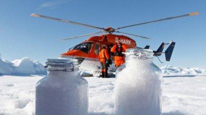 В Арктике вместе со снегом выпадают частицы пластика, - ученые