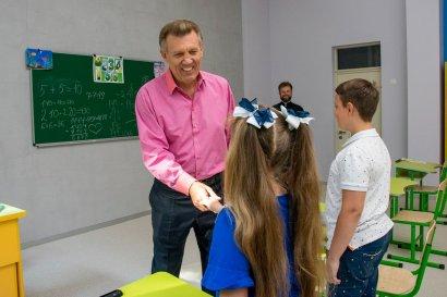 Сергей Кивалов поздравил с Днем знаний всех учащихся