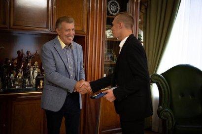 Сергей Кивалов встретился с призёром чемпионата мира по таиландскому боксу