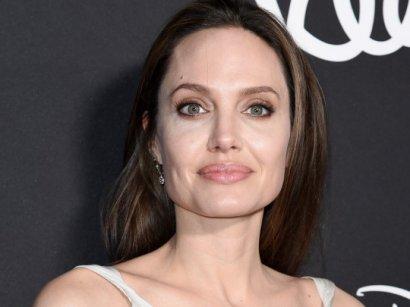 Анджелина Джоли заводит седьмого ребенка