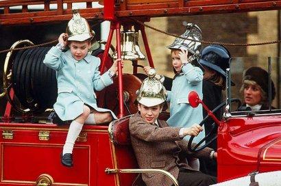 Принц Уильям поделился редким архивным фото с принцессой Дианой