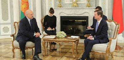 США и Беларусь возобновляют дипломатические отношения на уровне послов после 11-летнего перерыва