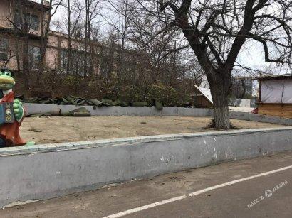 В Аркадии снесли детскую площадку: на ее месте может появиться новое кафе