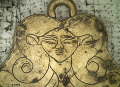 В Греции обнаружены царские гробницы с драгоценностями возрастом более 3 тыс. лет