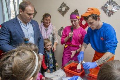 Новогодний утренник в Международном гуманитарном университете: праздник посетили дети из Кодымы