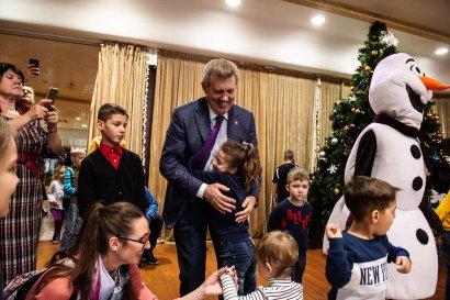 Новогодний подарок Украинской морской партии Сергея Кивалова  маленьким одесситам