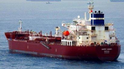 У Камеруна пираты атаковали танкер и захватили часть экипажа, в том числе одного украинца