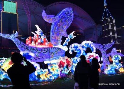 Китай: пестрые фонари для встречи праздника Весны