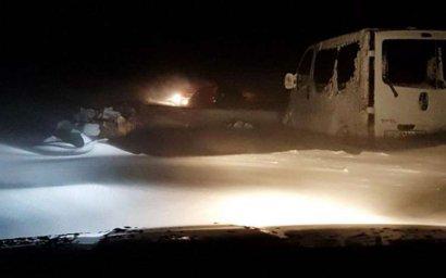 Hа Буковине 12 автомобилей застряли в снегу на 8 часов
