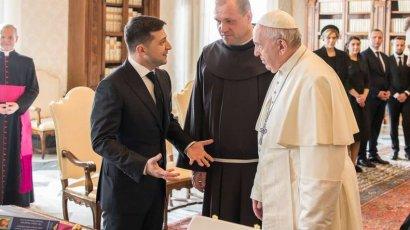 Стало известно, что Папа римский думает о Зеленском