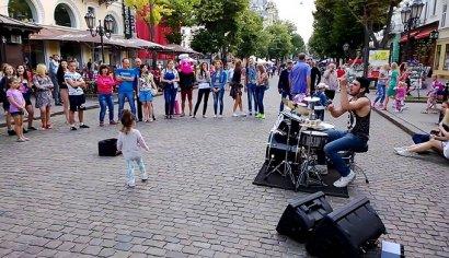 В горсовете собираются убрать уличных музыкантов из центра Одессы и не портить имидж города