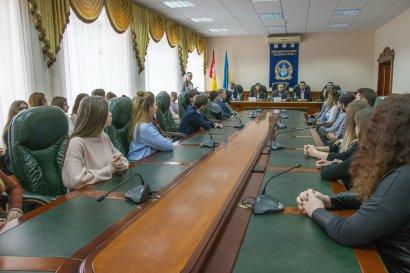 В Школе будущего лидера Международного гуманитарного университета состоялся первый выпуск