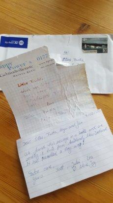 Мужчина неожиданно получил ответ на письмо, брошенное в реку семь лет назад
