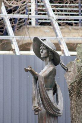 «Переодевают» бывшую цветочную галерею на Преображенской