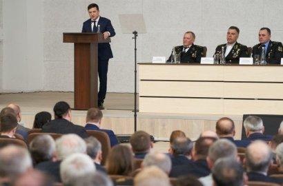 Президент послал Кабмин на... «зарплатный фронт»