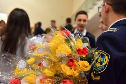 Женский коллектив Одесской Юракадемии поздравили с праздником 8 Марта