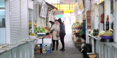 В связи с карантином заметно опустел один из крупнейших рынков Одессы «Новый базар». Многие магазинчики и прилавки закрыты