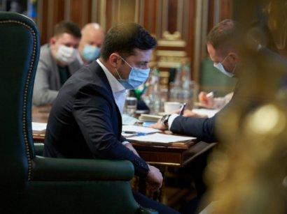 Офис Зеленского больше не будет заниматься поставками в Украину средств для борьбы с COVID-19